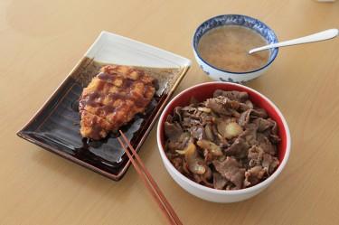 牛丼と豚カツ